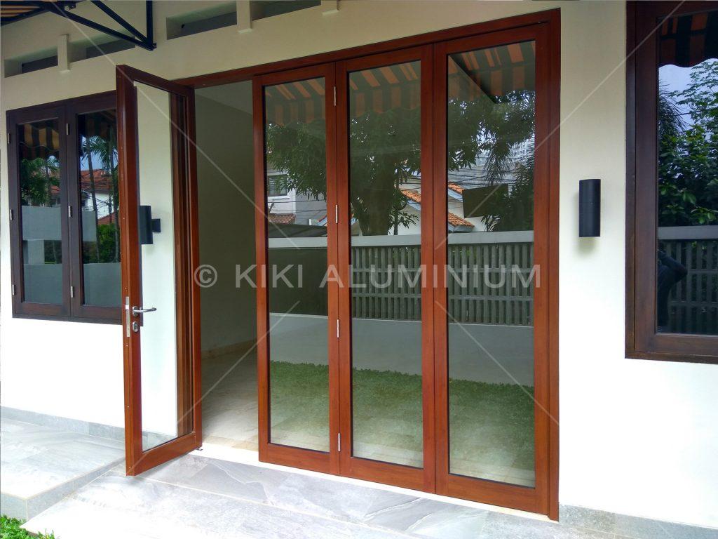 Folding Door Aluminium Kaca - 4 Daun - Motif Urat Kayu